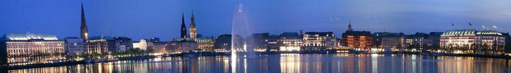 """""""Binnenalster von der Lombardsbrücke aus"""" Wikipedia (Link zum Bild / Fotograf: Rainer Marks)"""